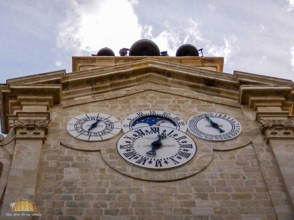 Wieża zegarowa w Pałacu Wielkich Mistrzów