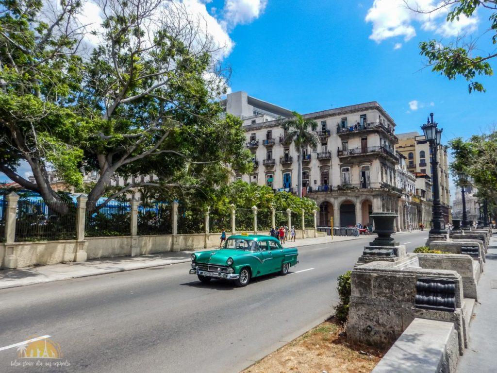 1955 Ford w Hawanie