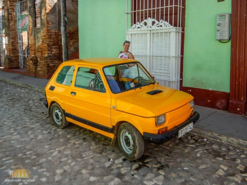 Fiat 126p, wersja De Lux z klimatyzacją
