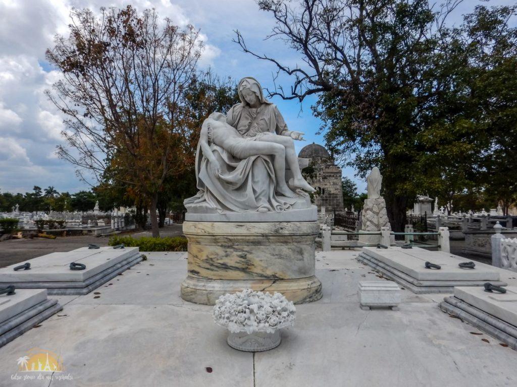 Pieta na cmentarzu Krzysztofa Kolumba