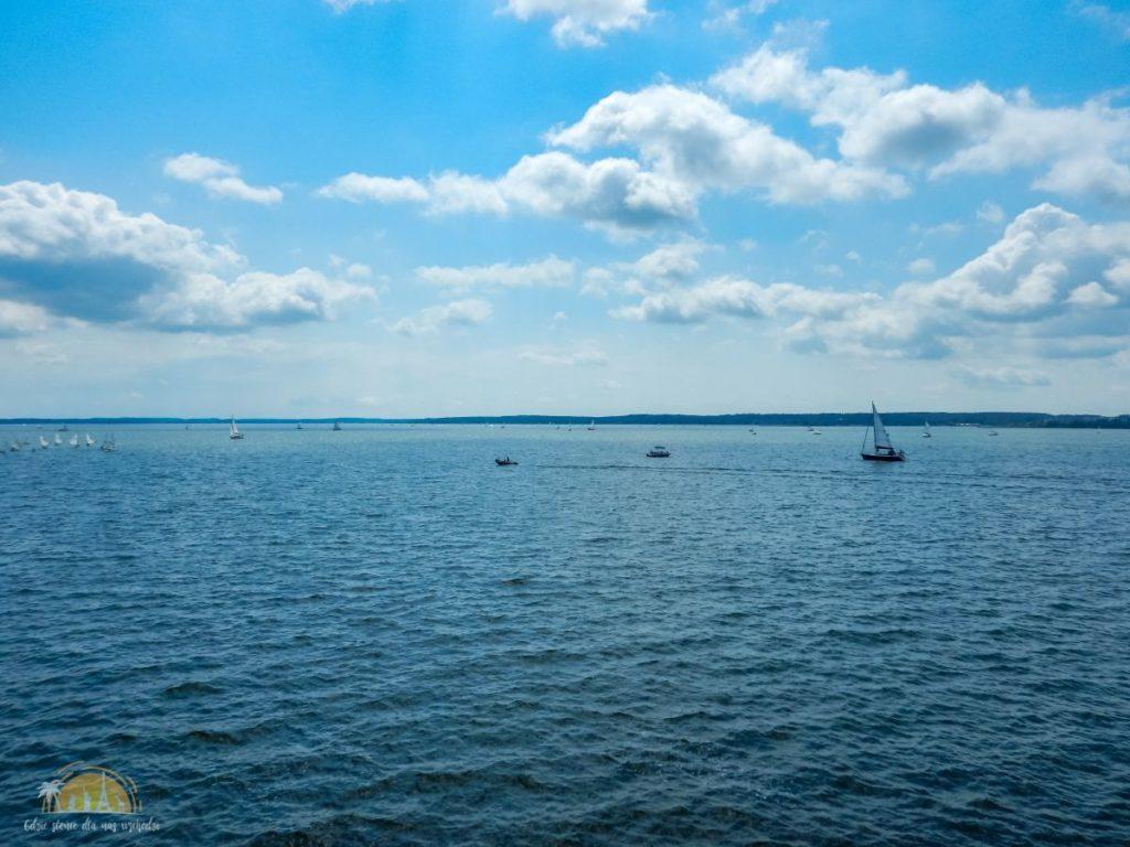 Jezioro Niegocin widok z mola w Giżycku