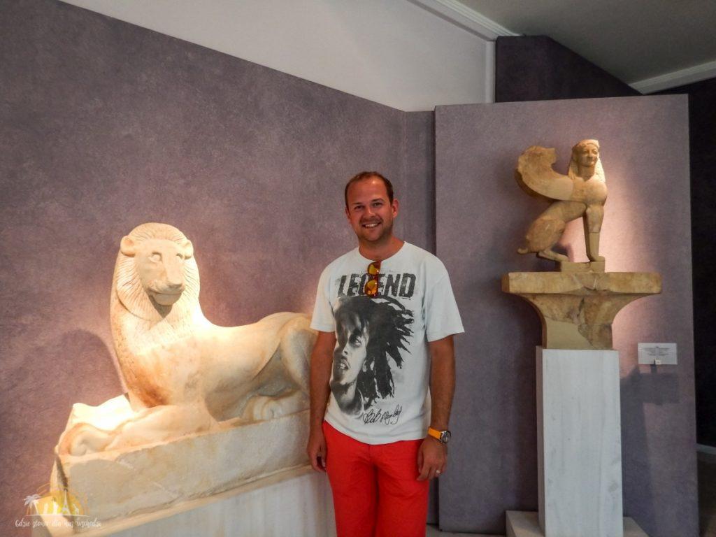 Posąg kota w Muzeum Archeologicznym
