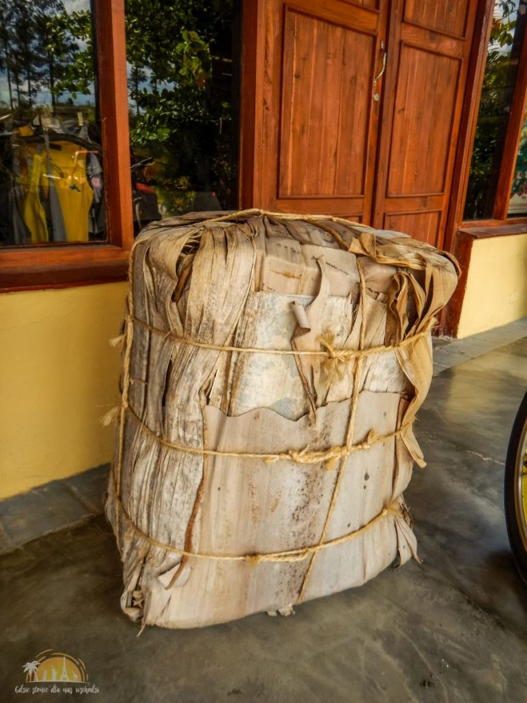 Tak są transportowane liście tytoniu do fabryki