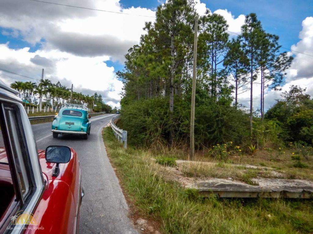 Taxi colectivos w drodze do Vinales