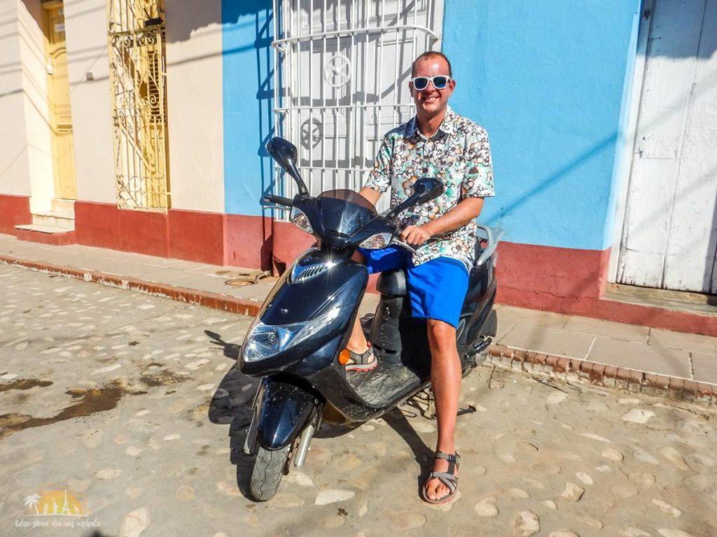 Wynajęty skuter w Trinidadzie