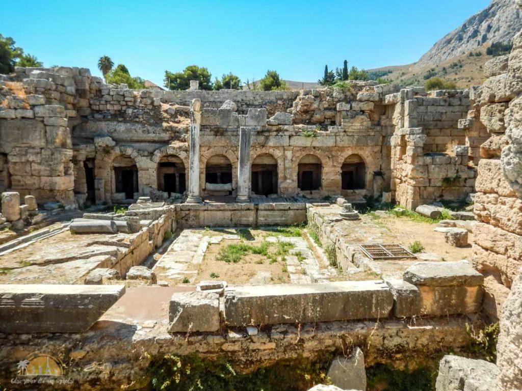Grecja Peloponez Korynt fontanna Pejrene