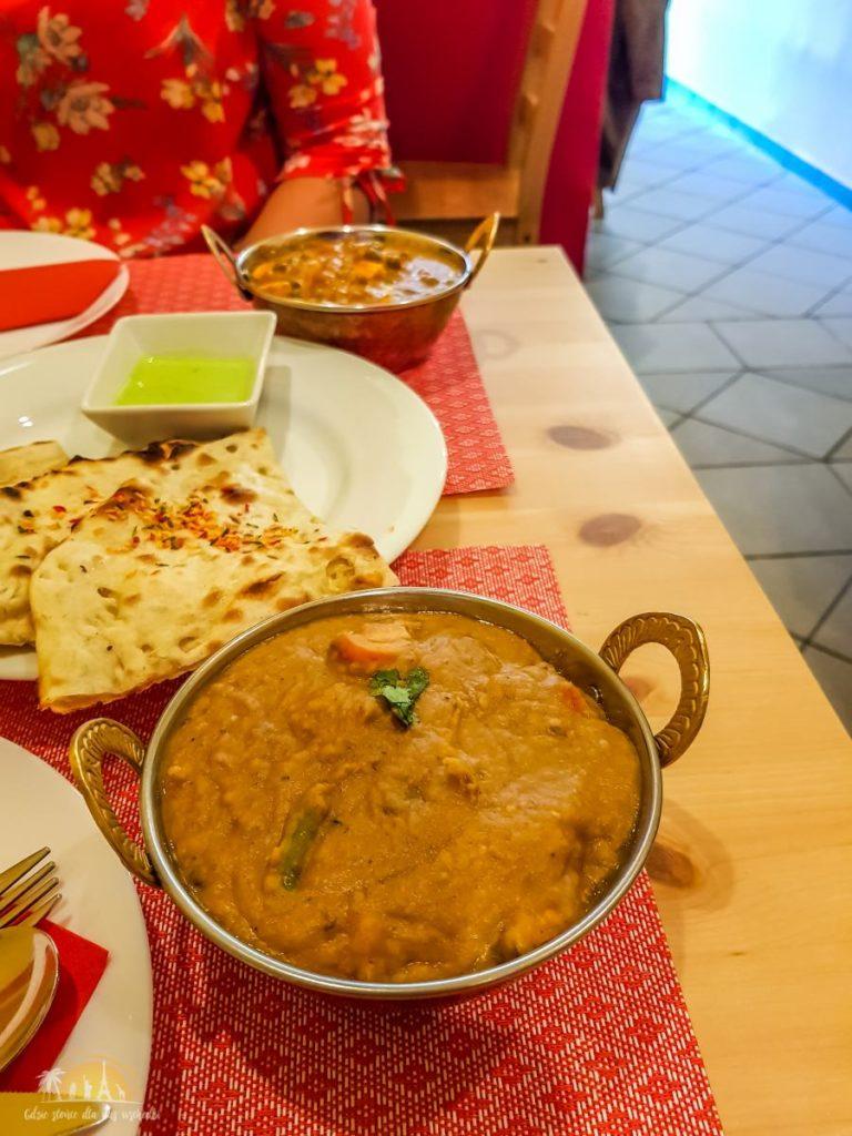 Taj Mahal Poznań restauracja indyjska 6