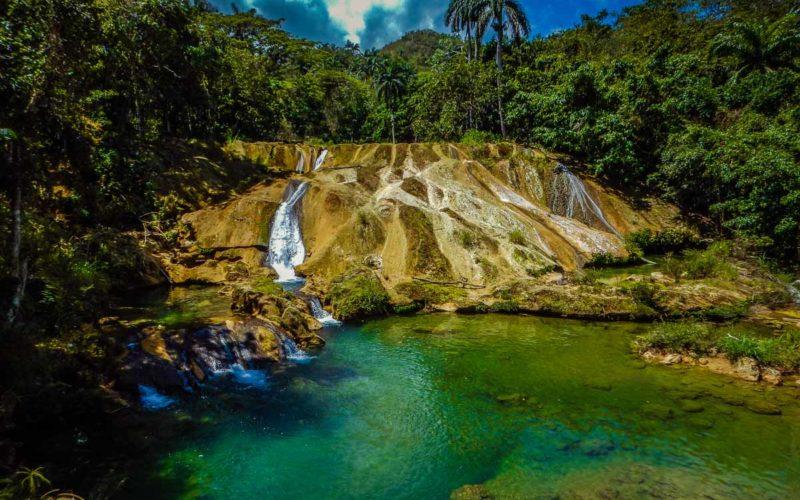 Kuba - wodospady El Nicho w sercu masywu Sierra del Escambray