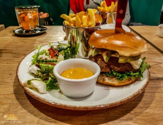Kuchnia & Mech restuaracja poznań burger 4