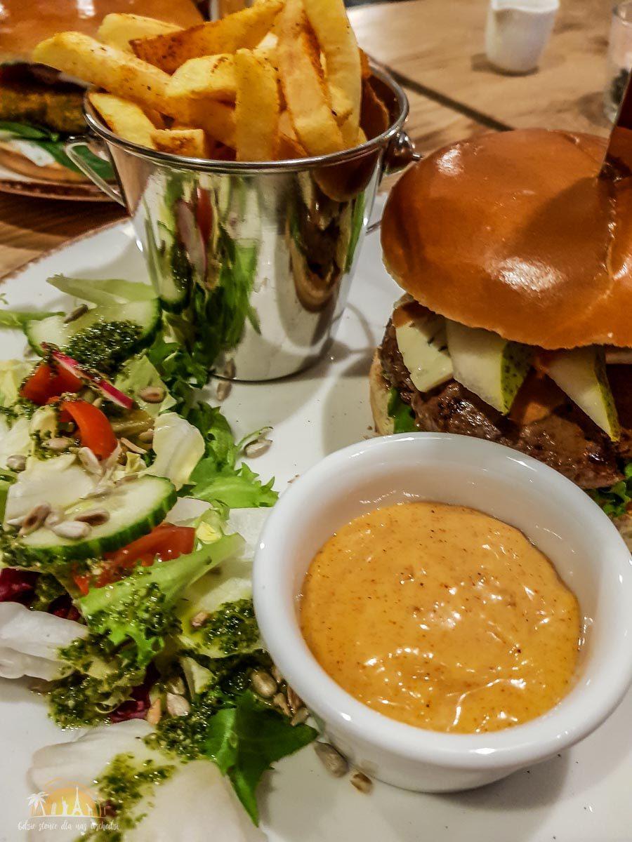 Kuchnia & Mech restuaracja poznań burger 5