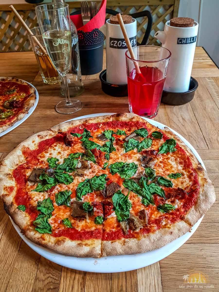 Pizza Pod Lasem Poznan gdzie zjesc w Poznaniu 3