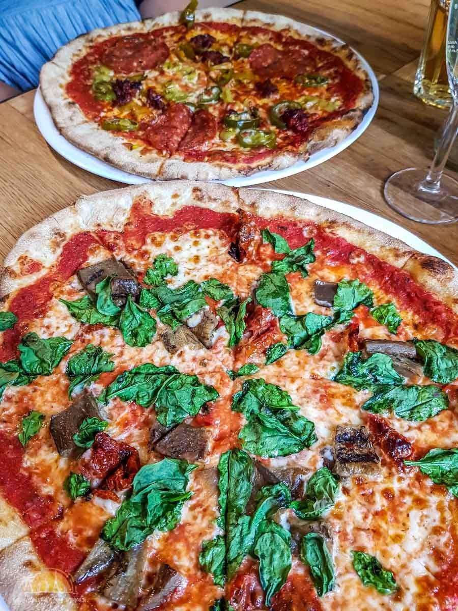Pizza Pod Lasem Poznan gdzie zjesc w Poznaniu 5